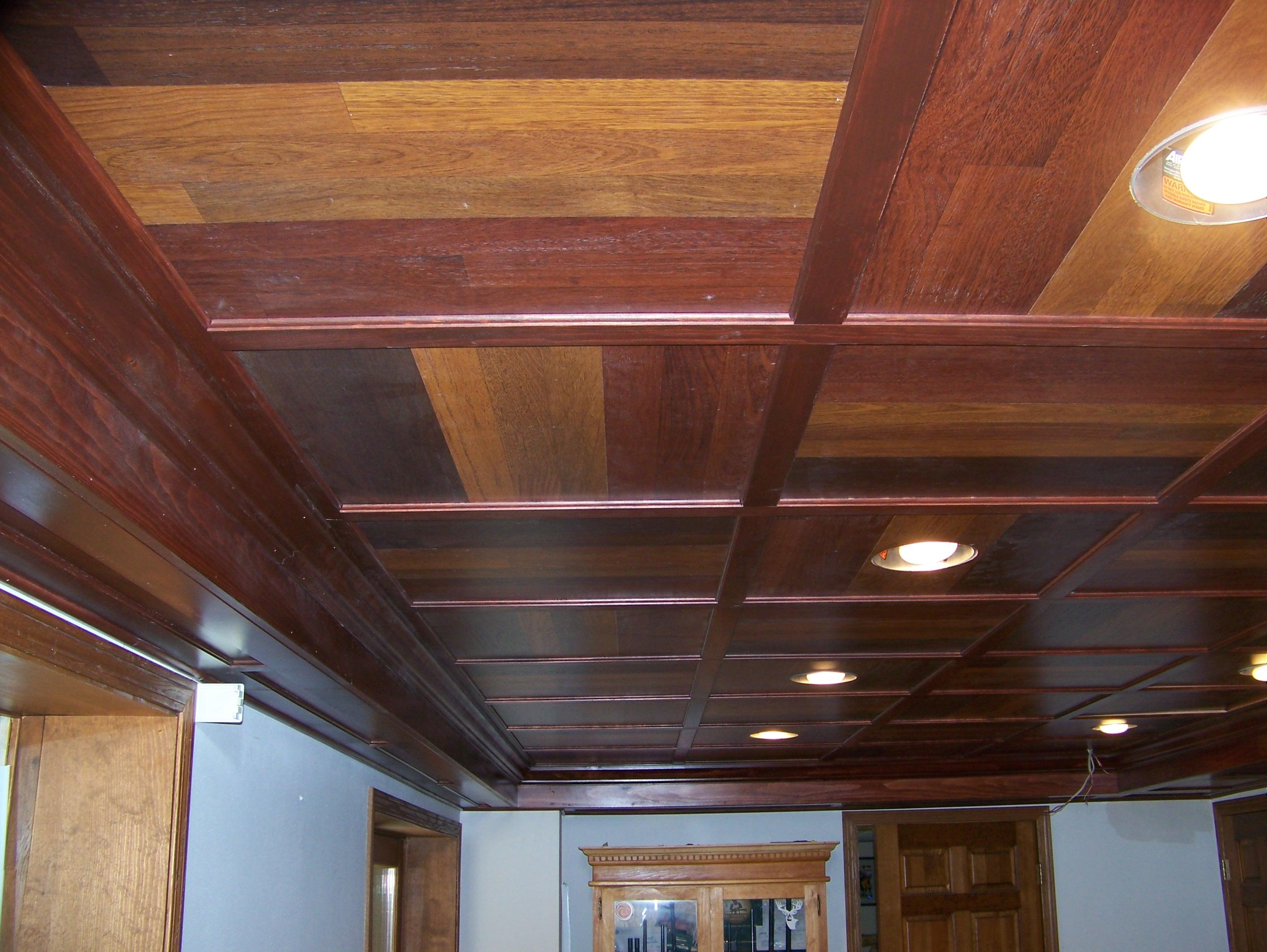 Как сделать потолок в квартире из ламината
