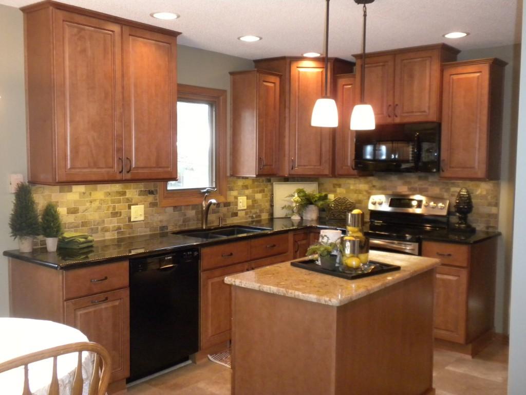 Как выбрать ламинат для кухонного фартука?