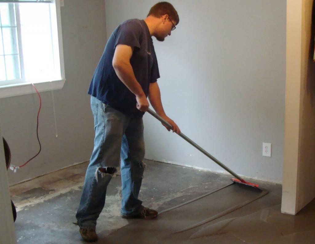 Подготовка поверхности для бетонной стяжки