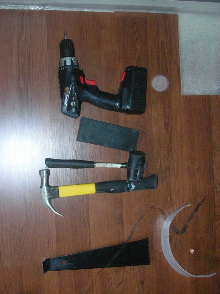 Инструменты необходимые для укладки ламината
