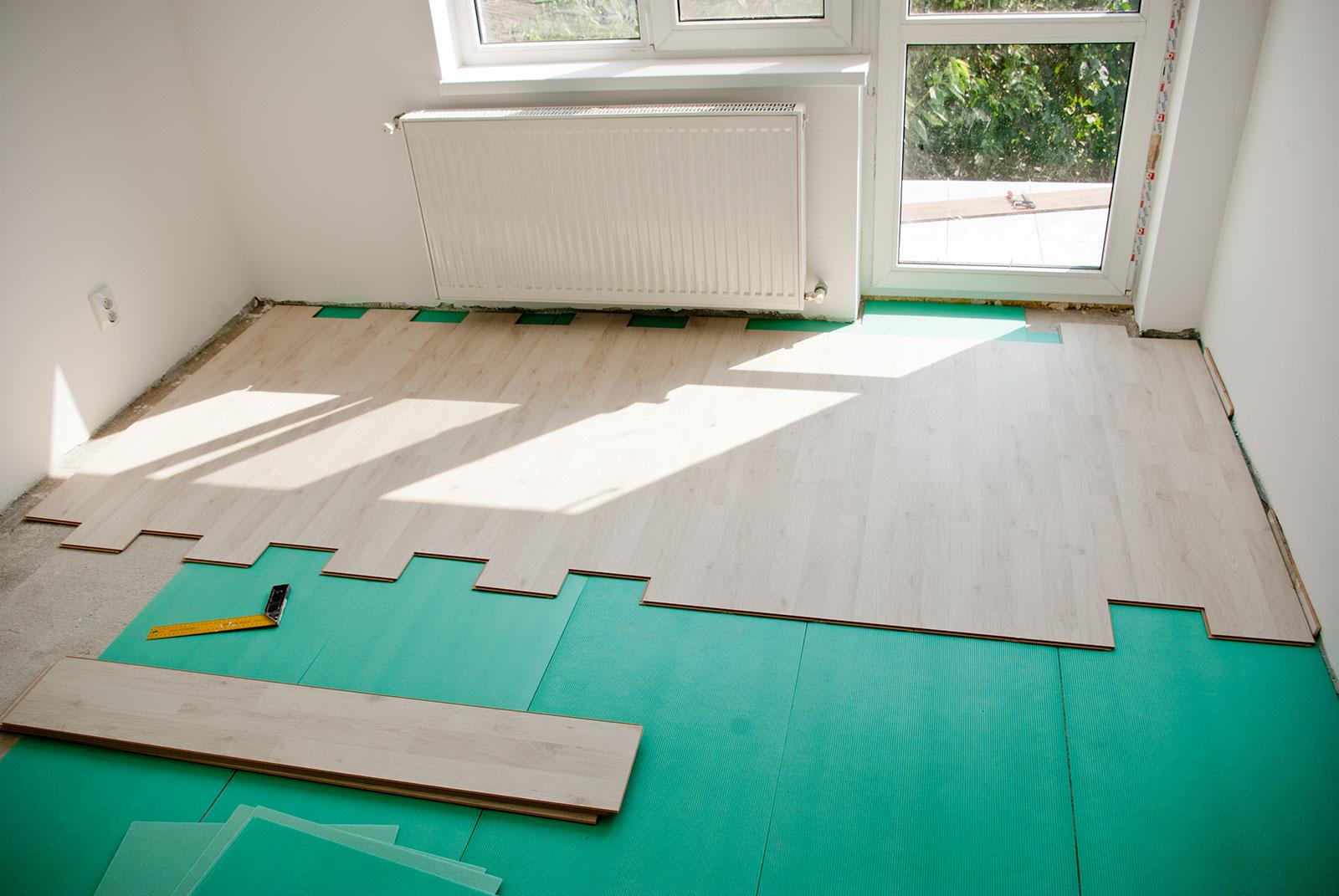 Как правильно уложить ламинат в квартире 23
